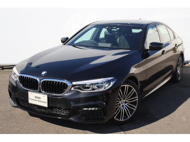 BMW 523d Mスポーツ ブラックサファイアステアリングサポート
