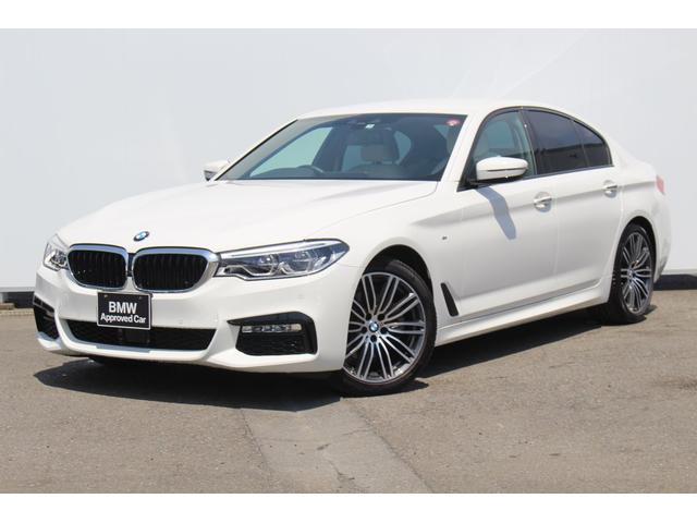 BMW 523d MスポーツアイボリホワイトレザーアダプティブLED