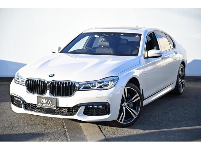 BMW 740i Mスポーツ 黒革・ガラスサンルーフ・アダプティブLEDライト・Fコンフォートシート・前後シートヒーター・harmankardonサウンドシステム・ソフトクローズドア・純正20AW