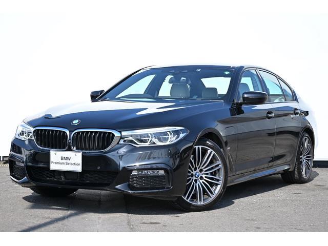 BMW 5シリーズ 530e Mスポーツアイパフォーマンス アイボリーホワイトレザー・前後シートヒーター・Mスポーツブレーキ・アダプティブLEDライト・HUD・HIFIスピーカー・純正19AW
