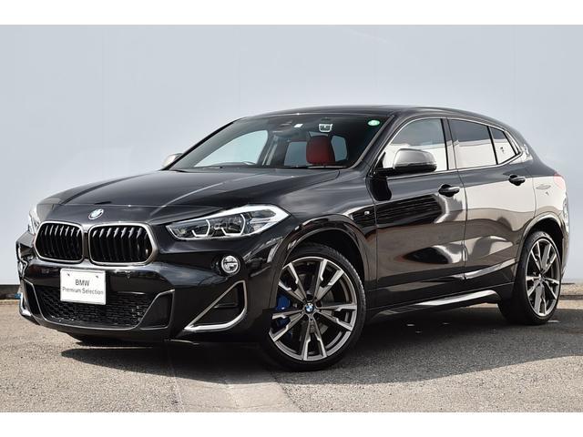 BMW M35i マグマレッドレザー・Fシートヒーター・Mスポーツブレーキ・オートトランク・リヤカメラ・前後PDC・パノラマサンルーフ・電動シート・Dアシスト・ACC・HUD・HIFIスピーカー・Mリヤスポ純正20AW
