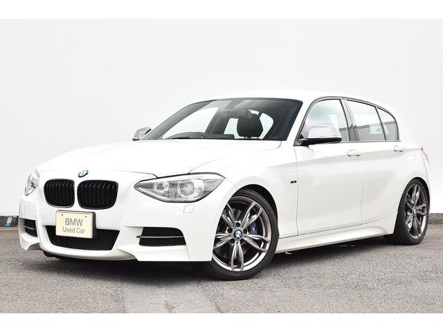 BMW M135i アダプティブMサス・バリアブルスポーツステア・コンフォートA・電動シート・キセノン・HIFIスピーカー・ローダウン・純正18AW