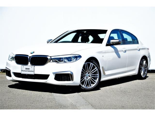 BMW M550i xDrive 黒革・前後シートヒーター・Mスポーツブレーキ/デフ・アダプティブMサス・アダプティブLEDライト・Dアシスト+・パークアシスト+・TV・HUD・harman kardon・Mリヤスポ・純正19AW