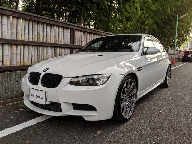 BMW M3 後期LCI 左ハンドル 6速マニュアル 19インチAW
