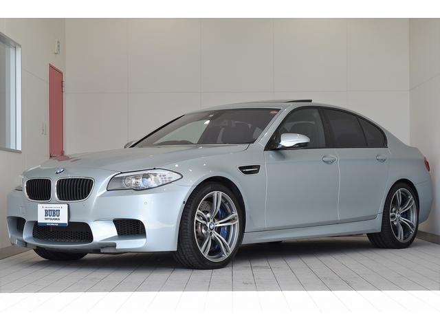BMW M5 右ハンドル 正規ディーラー車 純正HDDナビ