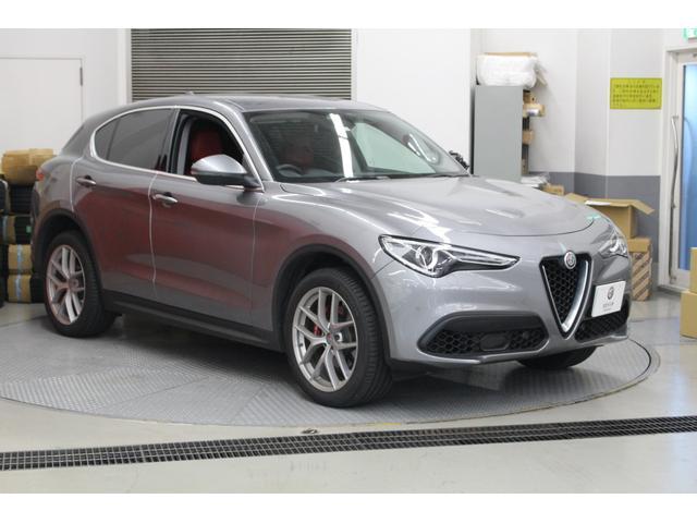 アルファロメオ ファーストエディション 新車保証継承20インチアルミ
