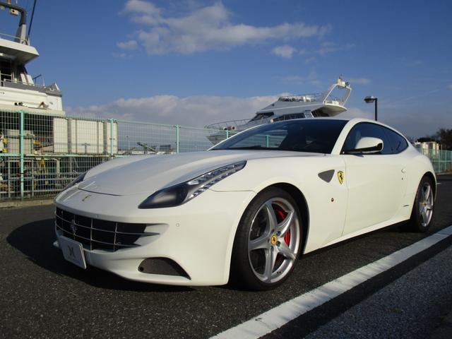 フェラーリ FF F1 DCT 4WD  ディーラー車 ホワイト