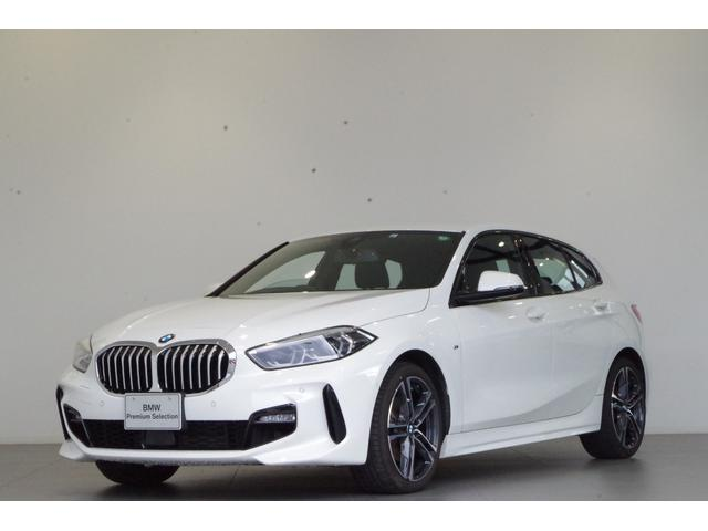 BMW 118i Mスポーツ ナビパッケージ コンフォートパッケージ 運転席電動シート ドライビングアシスト パーキングアシスト リバースアシスト アクティブクルーズコントロール オートマチックテールゲート ワイヤレスチャージング