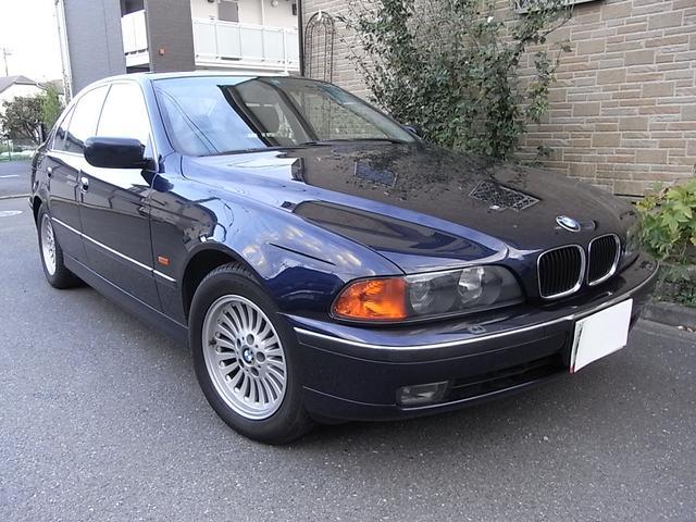 BMW 528iハイライン レザー サンルーフ 24,000Km