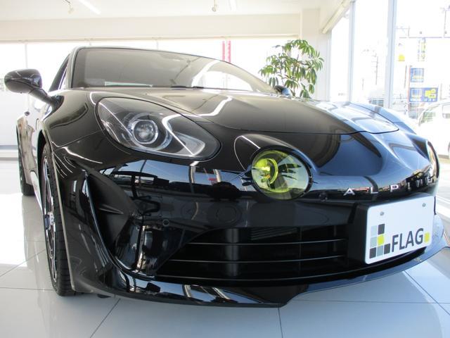 ルノー アルピーヌ A110 ノワール 30台限定車 ボディカラー ノワールプロフォンメタリック Sabelt製ブラックレザースポーツシート 18インチアロイホイールLEGENDEブラック ブラックキャリパー 禁煙車