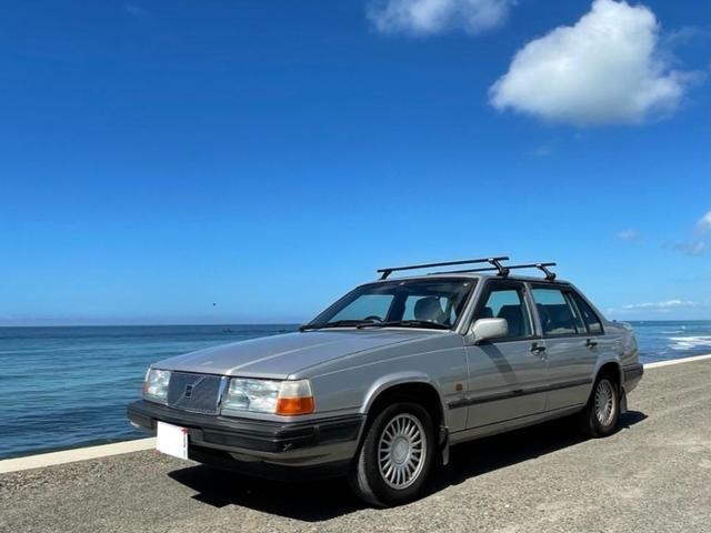 ターボ 強固なB230型エンジン パワーシート 禁煙車 フルオリジナル スーリー製新品キャリア付き あえてセダン車で海へ行ってみませんか?
