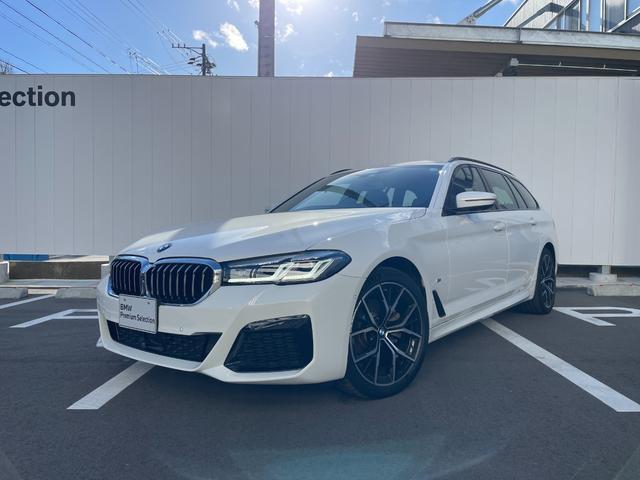 BMW 523iツーリング Mスポーツ 当社試乗車・黒革シート・シートエアコン・シートヒ-タ・パワーシート・黒革シート・純正19インチアルミ・アクティブクルーズコントロール・全周囲カメラ・LEDヘッドライト・電動リヤゲート・ミラーETC