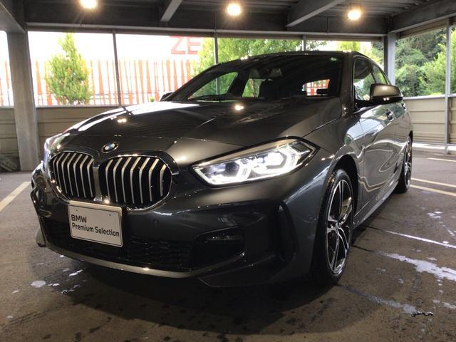 BMW 118i Mスポーツ 当社試乗車・ナビパッケージ・純正18インチアルミ・運転席パワ-シート・LEDヘッドランプ・LEDフォグランプ・バックカメラ・ミラーETC