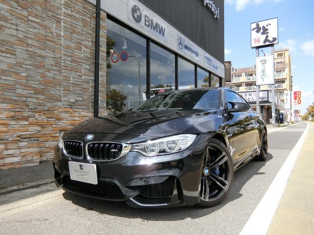 BMW M4クーペ スポーツサス カーボンインテリア 赤革シート