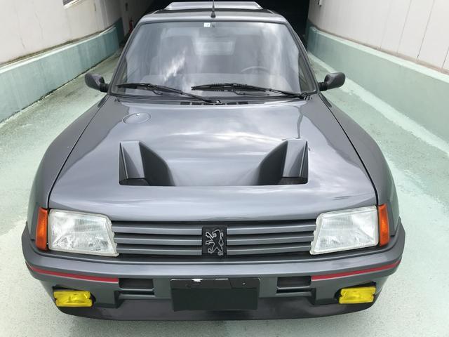 プジョー  205Turbo16 WRCグループBホモロゲーション車両
