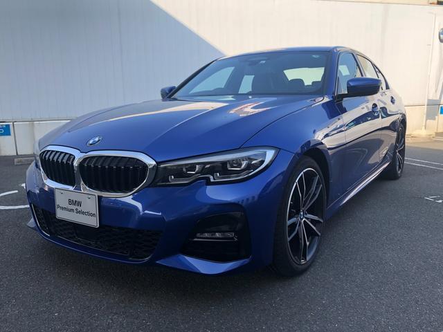 BMW 320d xDrive Mスポーツ レザーシート、19インチホイール、ヘッドアップディスプレイ付き