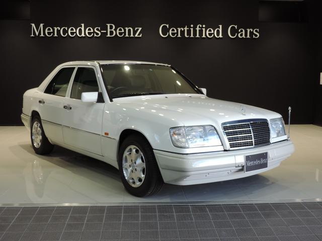 メルセデス・ベンツ E280  レザーシート