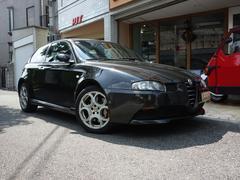 アルファ147GTA キセノンヘッド 6速MT 左ハンドル ファブリック