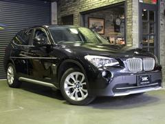 BMW X1xDrive 25i 禁煙1オナ サンルーフ 黒革 純正ナビ