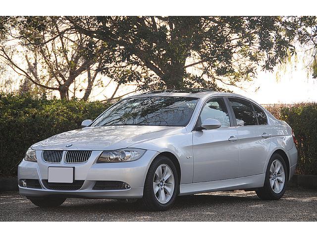 BMW 3シリーズ 323i (検32.3)