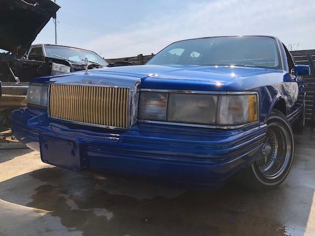 リンカーン・タウンカー(リンカーン) シグネチャー 中古車画像