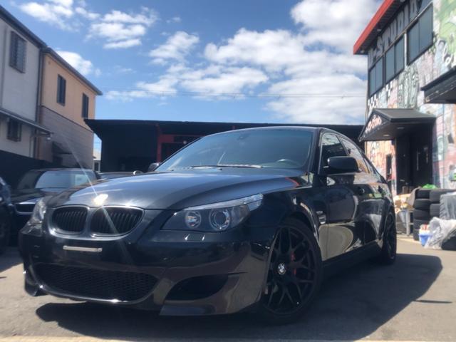 BMW 525i 左H ナビ 黒革 オートライト AW Pシート