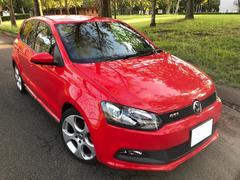 VW ポロGTI 紅葉の季節に真っ赤なGti いかがですか