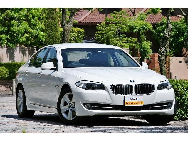 BMW 528i黒革シート 1オーナー車/車庫保管/直6エンジン