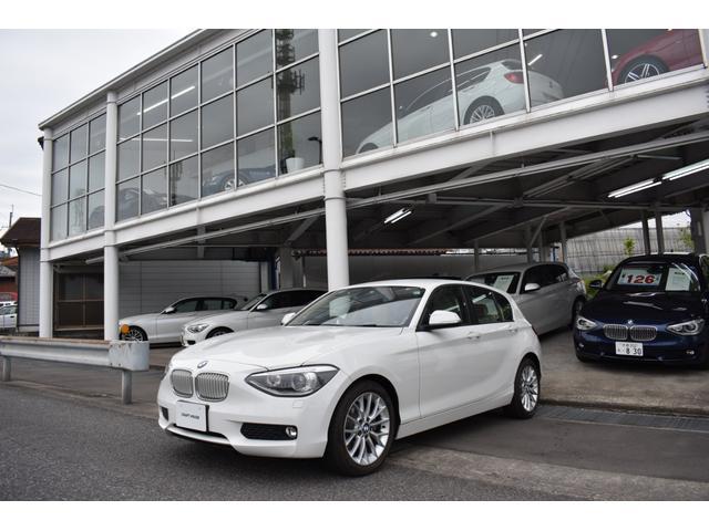BMW 116i ファッショニスタ 走行880Km ナビ&Bカメラ