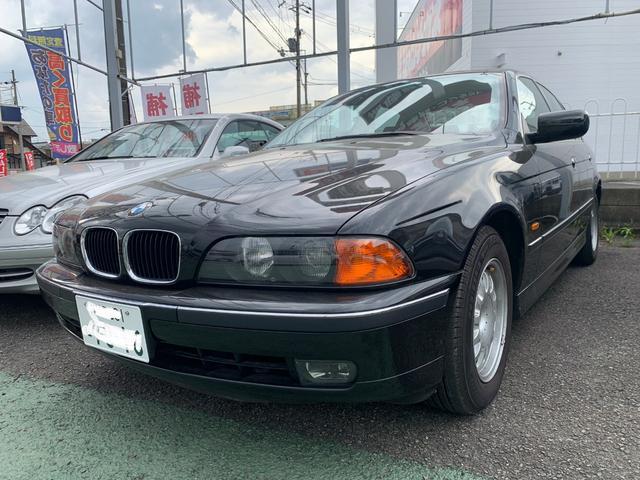BMW 525i記録簿走行8000キロワンオーナー