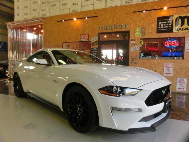 マスタング(フォード) 5.0GTプレミアム GTパフォーマンスPKG 401Aパッケージ 赤/黒レザーシート 新車並行 未登録 中古車画像