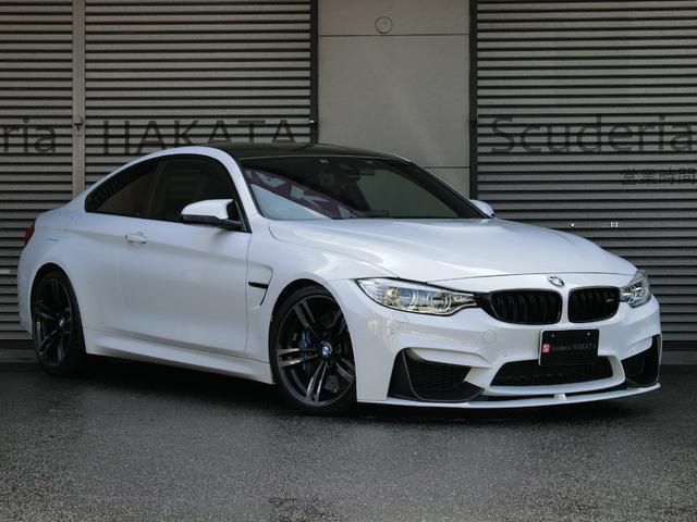 BMW M4クーペ ディーラー車