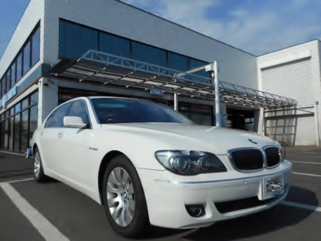 BMW 760Li レザーシート HDDナビ サンルーフ HID
