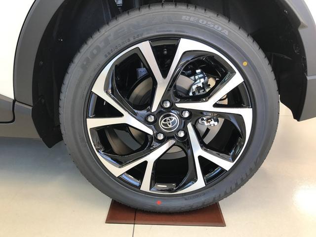トヨタ C-HR G-T 未登録新車