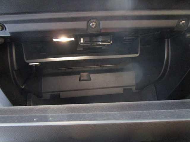 T5 モメンタム レザーパッケージ HDDナビ バックカメラ(15枚目)