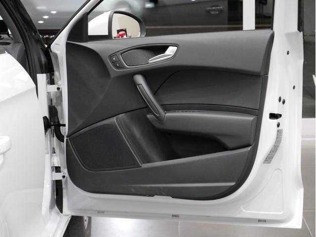 「アウディ」「アウディ A1スポーツバック」「コンパクトカー」「広島県」の中古車42