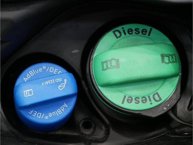 給油口はディーゼルと一目でわかるデザイン