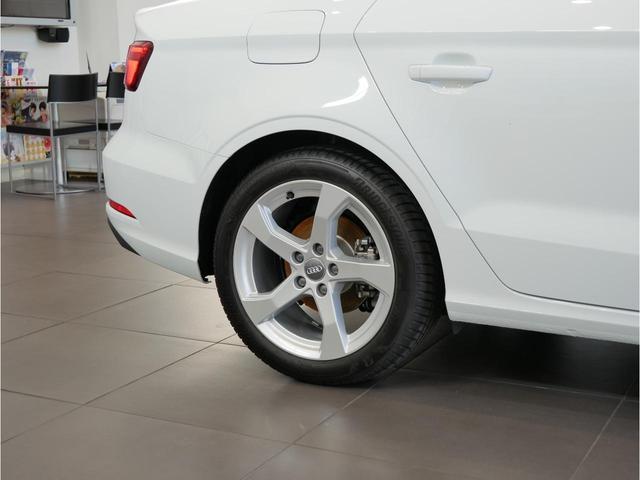 40TFSIクワトロ スポーツ 元デモカー 認定中古車(13枚目)