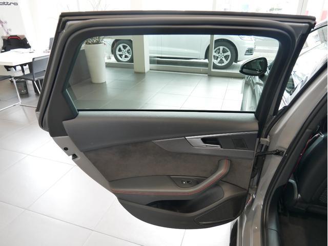 ベースグレード 認定中古車 カーボンスタイリングパッケージ RSデザインパッケージ RSエキゾーストシステム(61枚目)