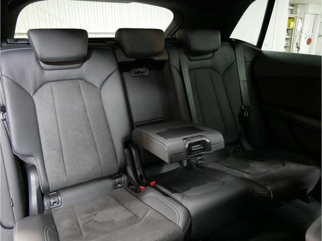 「アウディ」「Q8」「SUV・クロカン」「広島県」の中古車19