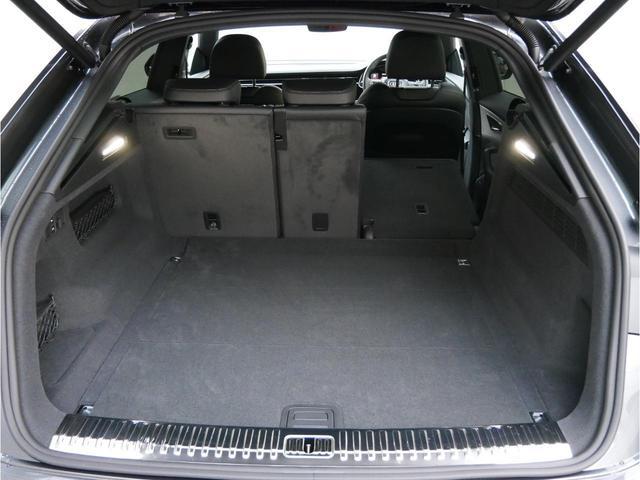 「アウディ」「Q8」「SUV・クロカン」「広島県」の中古車28
