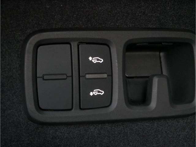 「アウディ」「Q8」「SUV・クロカン」「広島県」の中古車29