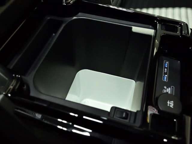 「ランドローバー」「ランドローバー ディスカバリー」「SUV・クロカン」「福岡県」の中古車12