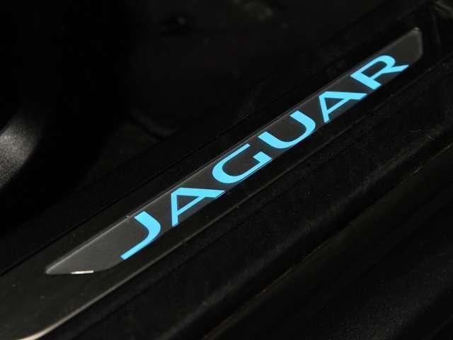 「ジャガー」「ジャガー XFスポーツブレイク」「ステーションワゴン」「福岡県」の中古車17