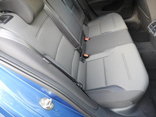 ■後席(右)状態 厳しい仕入れ基準をクリアした弊社の認定中古車ですが、よりご満足いただくために入庫後に専門スタッフによるクリーニングを行っております。実車確認が困難な遠方の方も安心してお選び下さい。