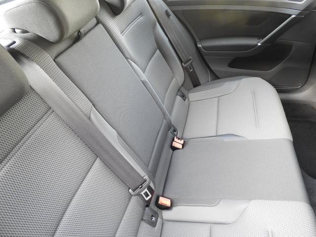 ■後席(中央)状態 厳しい仕入れ基準をクリアした弊社の認定中古車ですが、よりご満足いただくために入庫後に専門スタッフによるクリーニングを行っております。実車確認が困難な遠方の方も安心してお選び下さい。