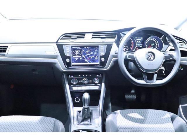 Volkswagen博多 認定中古車センターへようこそ。この度は私どものお車をご覧いただきありがとうございます。こだわりの1台を見つけるお手伝いをさせていただきます。担当:吉田・小城・松本