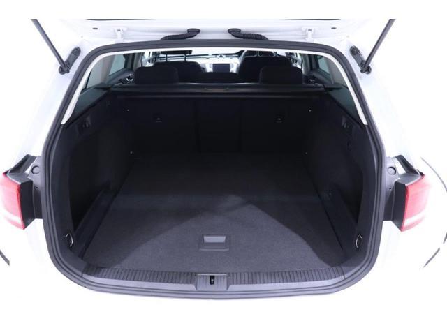 Volkswagenマリーナ久留米の中古車もご案内可能です。お店まで遠くて情報だけ欲しい、今後のメンテナンスは博多が近いから等、ご協力させていただきます。なんなりとご相談ください。