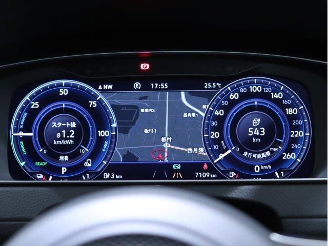 アダプティブクルーズコントロール(全車速追従機能付)は30-160km/hまで設定可能で、クルーズコントロールにレーダーセンサーを組み合わせたシステムとなります。長距離走行時などでの疲労を低減させます