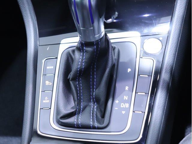 """「ETC2.0対応車載器」  合流や渋滞、事故等の情報をリアルタイムで受信して、ディスカバープロへ即座に反映させたルートガイダンスを実現し、快適なドライブを楽しむことが出来ます!"""